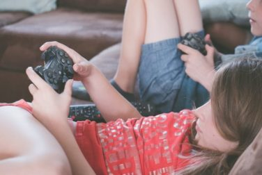 gaming-girl-kids